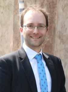 Dr. Florian Hartge ist Schatzmeister von Young Excellence in Healthcare und hat viele Jahre Erfahrung in den Bereichen IT, Gesetzliche Krankenversicherung und deren Verbände. Als Geschäftsführer von fbeta unterstützt er Kunden im Gesundheitswesen bei Themen der Digitalisierung, Innovation, Strategie, Geschäftsentwicklung, Projektmanagement und Change.