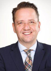 Matthias Hinrichs bietet Einblicke in die Dentalbranche