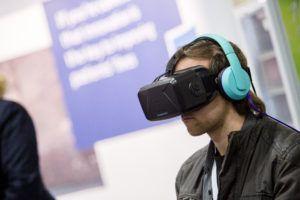 Boehringer Ingelheim setzt die VR-Technologie auf Messen ein. ©Abbildung: Boehringer Ingelheim
