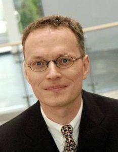 Prof. Baumgart über Ausbildung mit Tablet