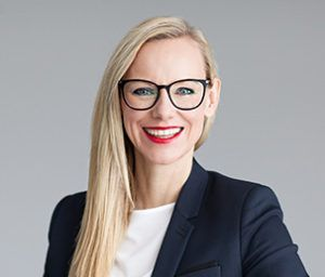 Sandra Bunke-Koelblin ist Head of Marketing bei Dr. Kade