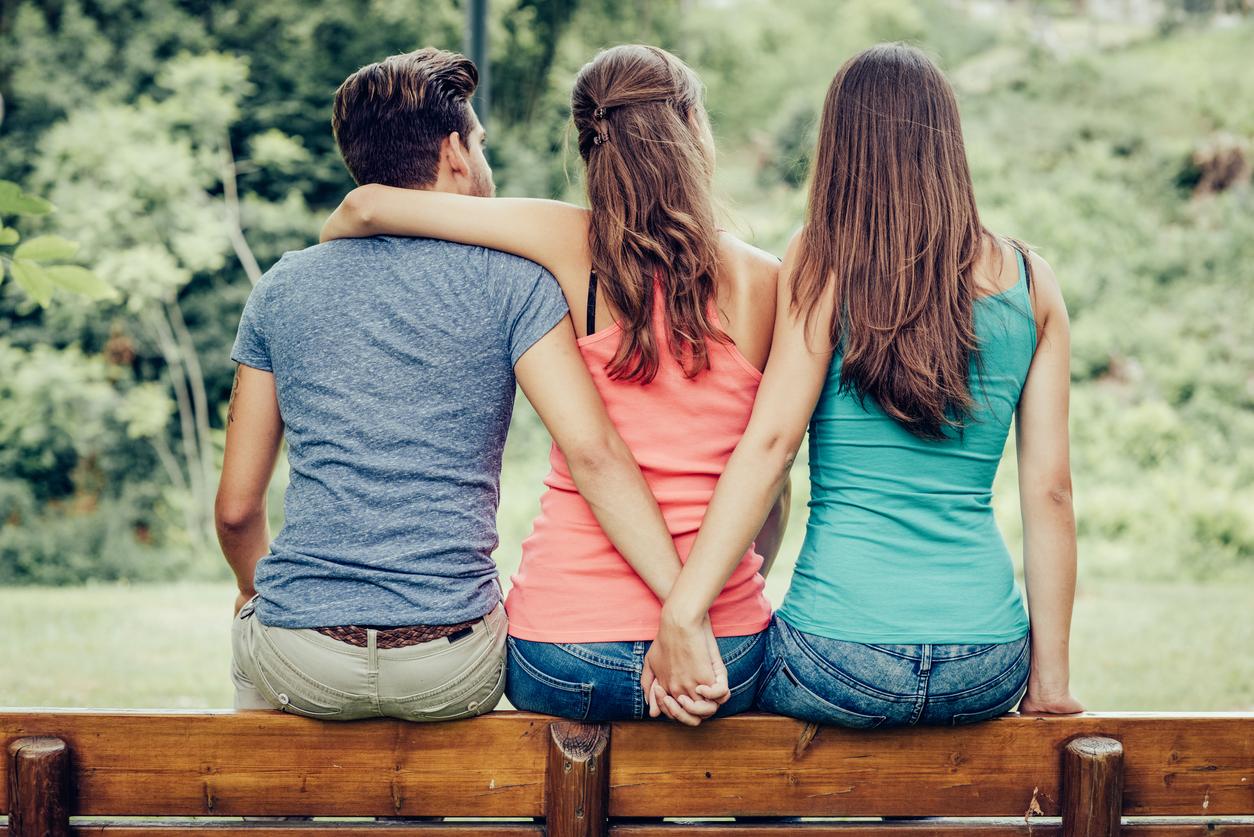 Freundschaftsbesuch artet zum flotten Dreier aus