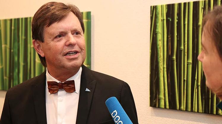 PD Dr. Gerhard Iglhaut im Gespräch mit Stefanie Hanke vom Dental Online Channel