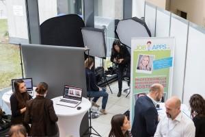 Kostenloses Fotoshooting für Bewerbungsfotos auf der Nachwuchsmesse Operation Karriere