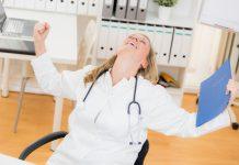 Die Ärztevermittlung Grill rät Kliniken noch mehr zum Personaldienstleister zu werden.