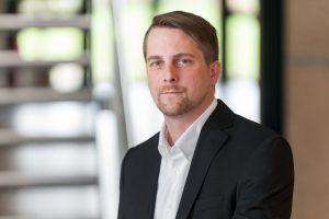 """Mike Heyden, Leiter Text & Konzept von der WESTPRESS – Agentur für Personalmarketing, empfiehlt: """"Man sollte so schreiben, wie man spricht und gestelzten Fachjargon, Bürokratie-Wortwahl oder übliche Floskeln vermeiden."""""""