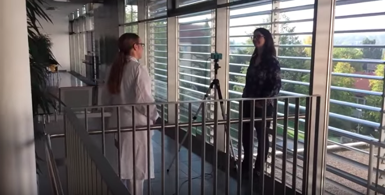 Sophia Lades, Studentin im praktischen Jahr, im Interview für das Recruitingvideo