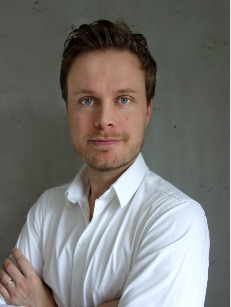Maximilian Auf der Lanver gründete DENTALHELD