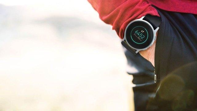 CES 2019: Die Omron Heartguide Smartwatch misst den Blutdruck.