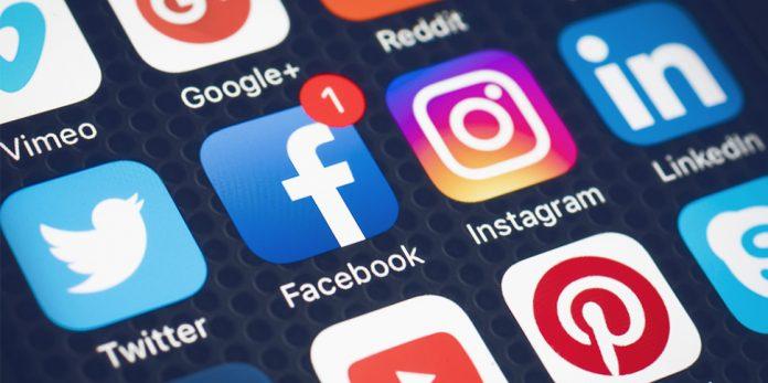 Facebook, instagram, twitter, LinkedIn, Social Media