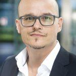 Heiko Schneider, Head of Dental Business bei Sanofi, spricht über den Dentocopter.