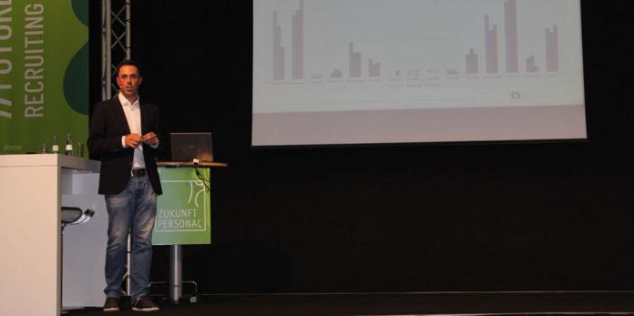 Alexander Hohaus bei einem Vortrag auf der Zukunft Personal 2019 in Köln