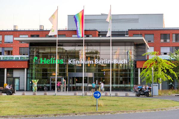 Haupteingang der Helios-Klinik Berlin Buch