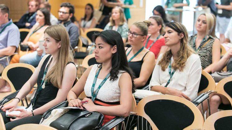 Zahlreiche Medizinstudenten und junge Ärzte besuchen Operation Karriere, © Klaus D. Wolf