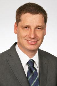 Dr. Michael Berensmann, Projektleiter Medical Apps TÜV Rheinlanderklärt, wie medizinische Apps zertifiziert werden.