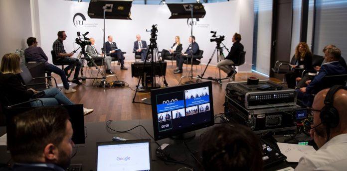 """Das Team des Deutschen Ärzteverlags produzierte die Live-Übertragung des Symposiums """"ITI kontrovers"""" sowie Interviews mit den Diskussionsteilnehmern. © eyecatchme"""