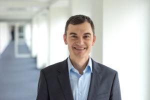 """Florian Saur, AstraZeneca: """"Die Pandemie ist ein starker Katalysator für den virtuellen Kontakt mit den Ärzten und wir werden diesen Weg auf jeden Fall weitergehen."""" © Ulrike Schacht"""