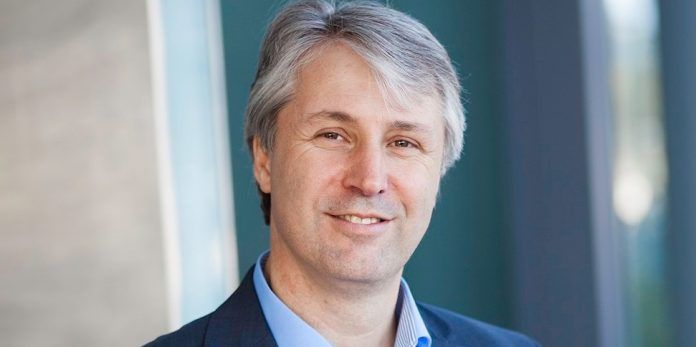 Dr. Dr. Johannes Ritter, Head of Communications Roche Diagnostics Penzberg über die virtuelle Podiumsdiskussion auf YouTube